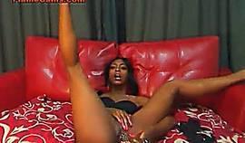 Black Booty Shaking Cam Girl